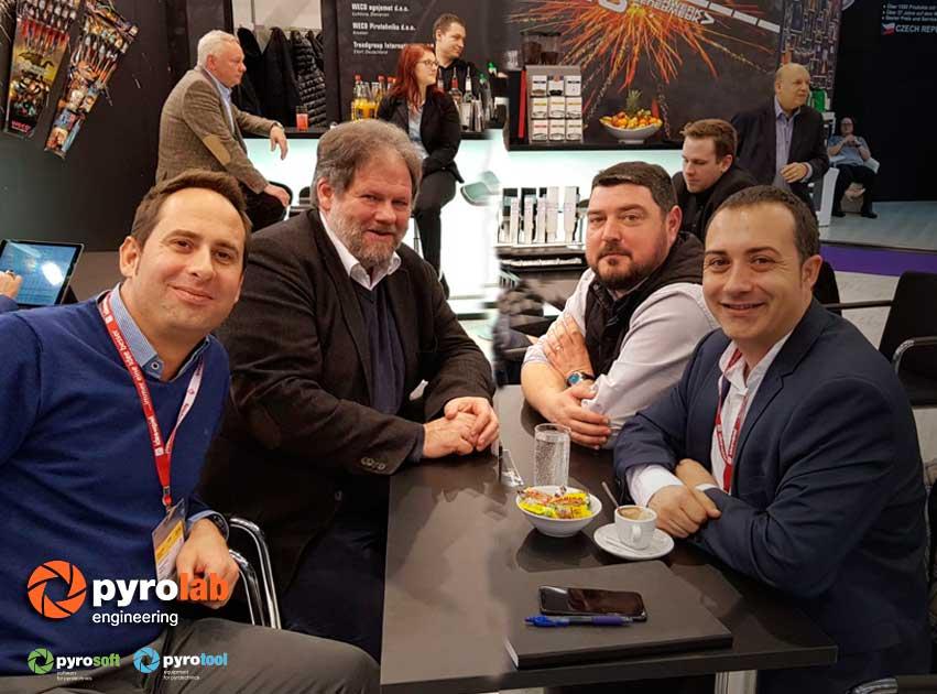 Feria-nurenberg-con Georg Aleff de Weco, Toni Gamón de Plásticos Gamón y Jordi Brau de Cialfir.